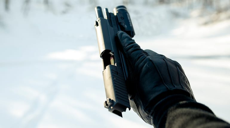 how to use a gas airsoft pistol in the cold days
